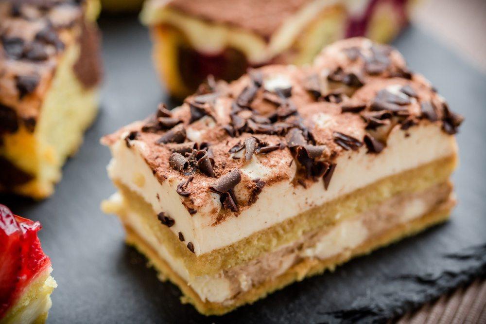 Čoko-pudingová torta s piškótami na spôsob tiramisu