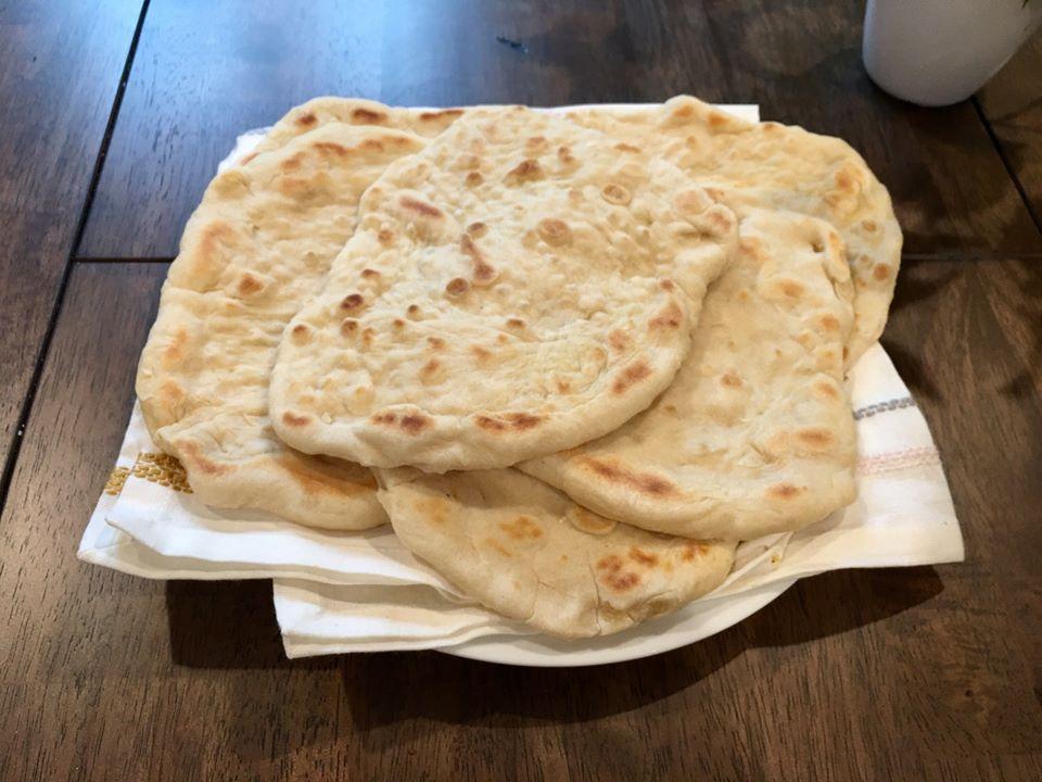 Chlebové placky z takmer prázdnej kuchyne